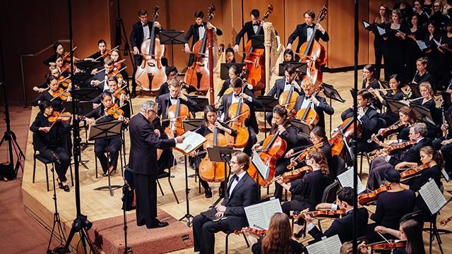 Mengedit Musik Yang Belum Selesai Oleh Komposer Hebat Memang Kontroversial - Tetapi Terkadang Perlu Dilakukan