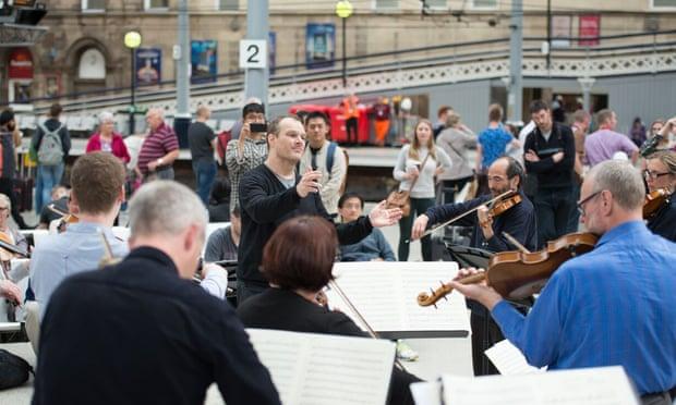 Orkestra Kamar: Mengapa Orkestra Sederhana Itu Indah